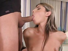 Doublepenetrated teen babe gives dual dt