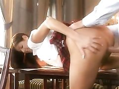 Schoolgirl masturbates dreaming of soft bang-out